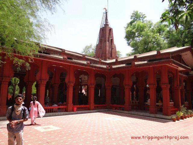 Places to visit in Pune - Sarasbaug Ganesh Temple