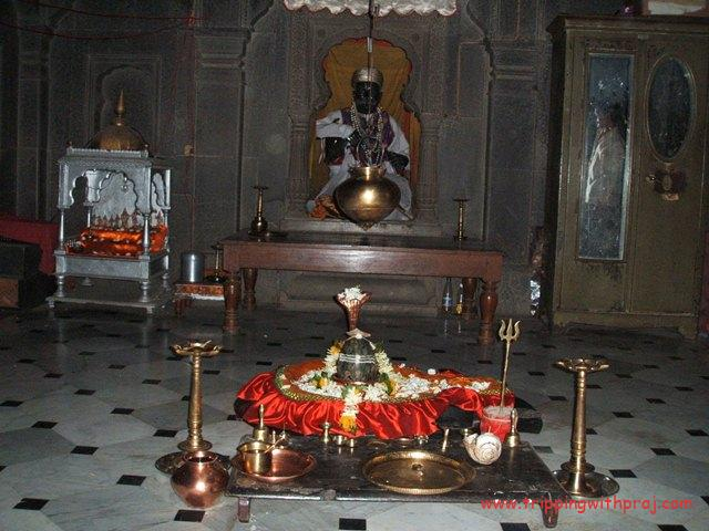 Shiva Temple at Shinde Chatri