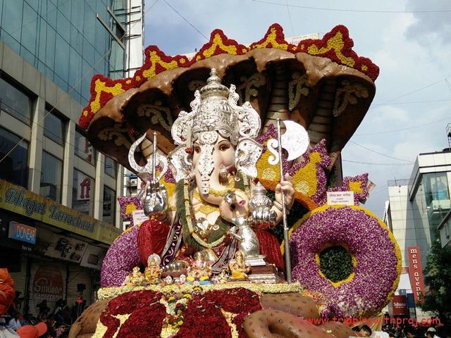 Manacha Chautha Ganpati - TulshiBaug