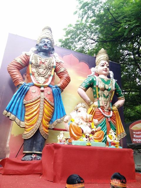 Lord Ganesha with the deities Vitthal-Rukmini