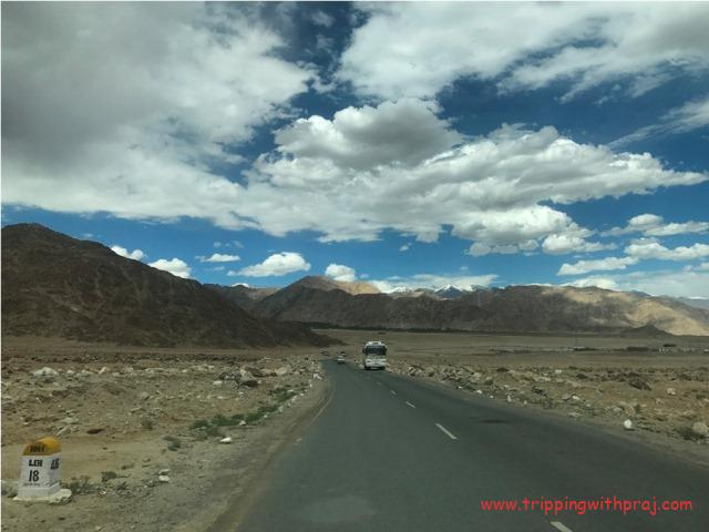 Ladakh Travel Guide - Welcoming Mountains Enroute Leh
