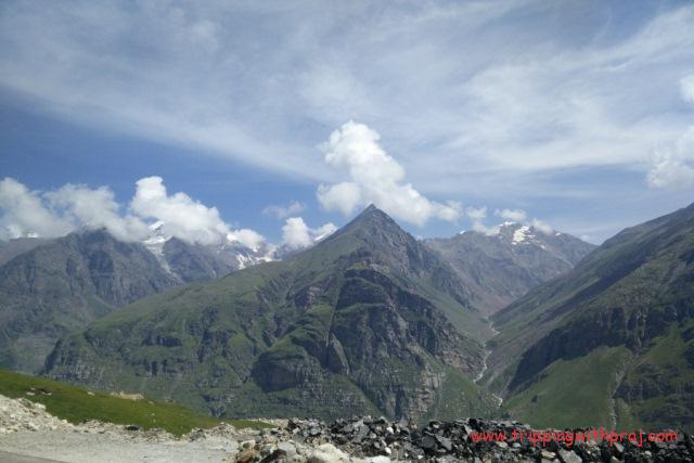 Ladakh Travel Guide - View from the Top of Rohtang