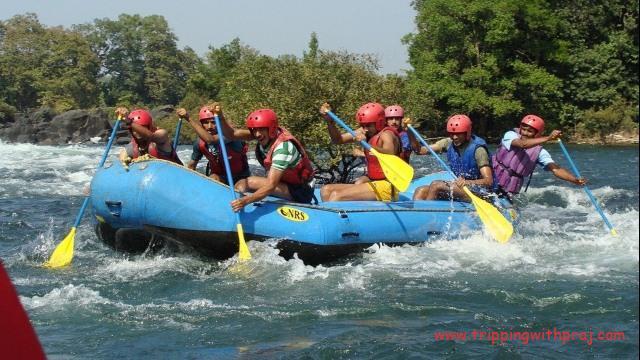 Kolad River Rafting - Rowing with enthusiasm
