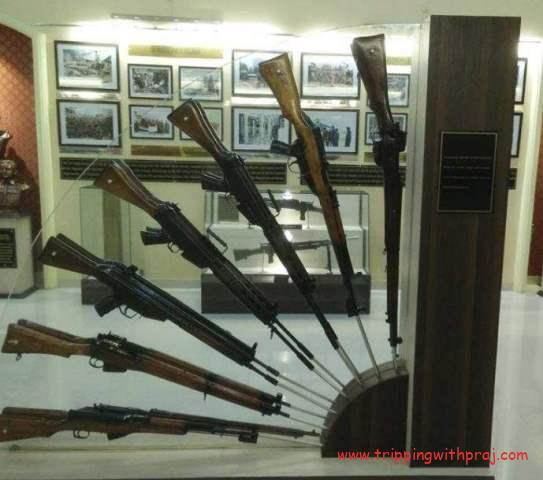 National War Museum - Guns at display