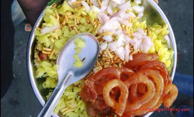 Indore Food Guide -  Poha-Jalebi