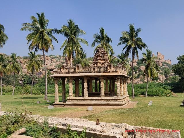 Places to visit in Hampi - Enroute Vijaya Vittala Temple