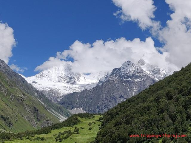 Snow Clad Mountains - I bet you can't take your eyes away